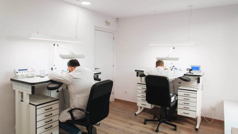 Tecnologia de reparación de relojes