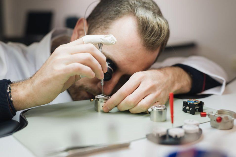 tipo de reparación de relojes